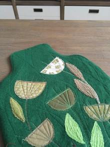 Úžitkový textil - Termofor -ozdobná fľaša v zelenom s kvietkami - 10375128_