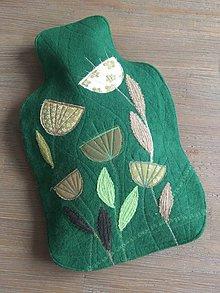 Úžitkový textil - Termofor -ozdobná fľaša v zelenom s kvietkami - 10375131_