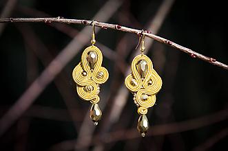 Náušnice - Zlato-horčicové Elisa - soutache earring - šujtášové náušnice - 10378180_