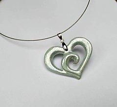 Náhrdelníky - Keramický šperk - srdce vyrezávané, mentolové - 10377172_