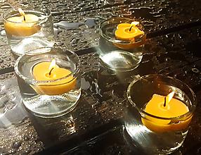 Svietidlá a sviečky - Svícen z lahve - 10374933_