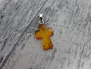 Náhrdelníky - Jantárový krížik - 10377933_