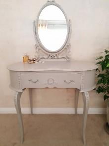Nábytok - Toaletný stolík so zrkadlom - 10377966_