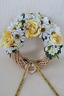Dekorácie - kvetinovy veniec - 10376974_