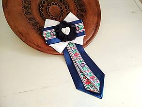 Odznaky/Brošne - Dámska kravata/brošňa pod golier...Folklórna modro-biela - 10381898_