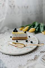 Pomôcky - Zlatá lopatka s razeným textom:love is sweet - 10378904_