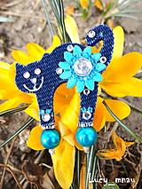 Odznaky/Brošne - Brošnička mačička s tyrkys kvetinkou:) - 10380478_