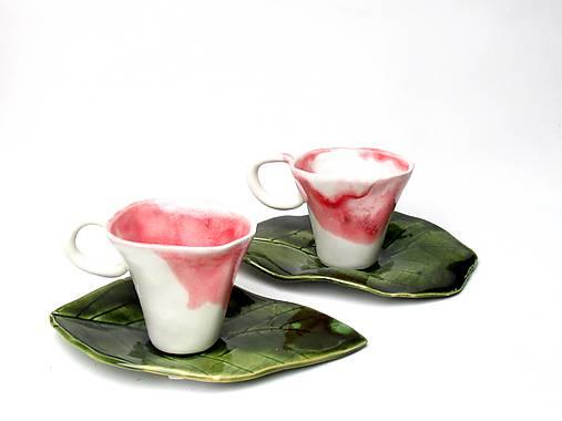 šálka bielo ružová s tanierikom