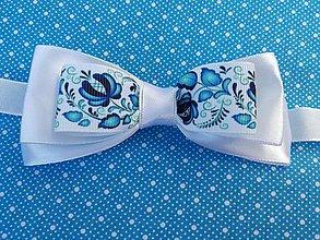 Doplnky - Saténový Folk motýlik - bielo modrý. - 10380871_