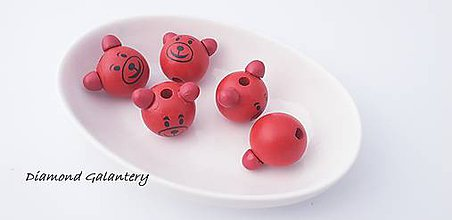 Korálky - Drevená korálka 3D Macko - červená - 10384527_