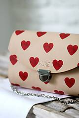 Kabelky - Kabelka s retiazkou CLUTCH HEARTS - 10383500_