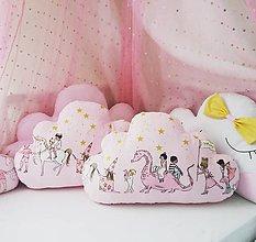 Textil - Veľké Minky vankúšiky oblačiky Magic Parade - 10383878_