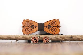 Doplnky - Motýlik Čičmanec - gaštan + manžetové gombíky (Hnedá) - 10383327_