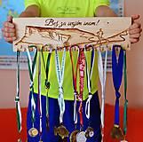 Dekorácie - Vešiak na medaily - Hory - Bež za svojím snom - 10382986_