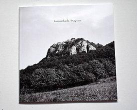 Knihy - čiernobiela krajina  - knižka - 10385559_