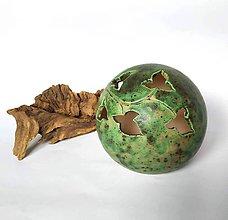 Svietidlá a sviečky - Dekoratívna guľa / tienidlo na sviečku - 10387968_