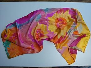 Šatky - Hodvábny maľovaný šál so slnečnicami - 10392243_