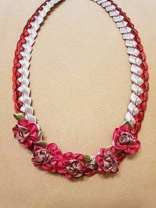 Náhrdelníky - Náhrdelník zo saténových stužiek s ružičkami (Bordová) - 10391770_