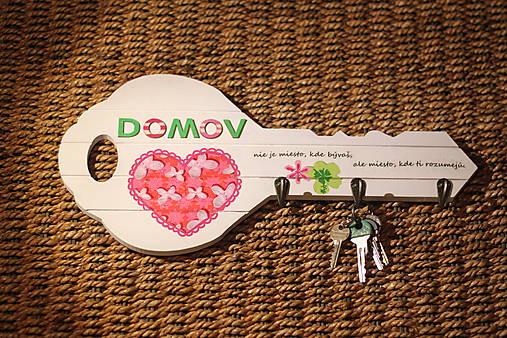 Drevený vešiak na kľúče s citátom