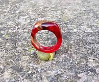 Prstene - Dámsky prsteň drevo&živica - 10392426_