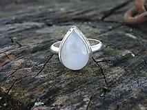 Prstene - Strieborny prsteň Ag925 Mesačný kameň - 10389461_