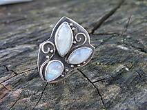 Prstene - Strieborny prsteň Ag925 Mesačný kameň - 10389486_