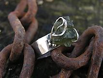 Prstene - Strieborny prsteň Ag925 Vltavín - 10389509_
