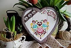 Tabuľky - Srdiečko folklórne vtáčik farebené - 10388978_