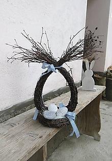 Dekorácie - Veľkonočná dekorácia z brezového prútia - 10393696_