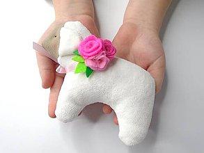 Dekorácie - Veľkonočná ovečka (Biela s kvetinovou ozdobou) - 10393241_