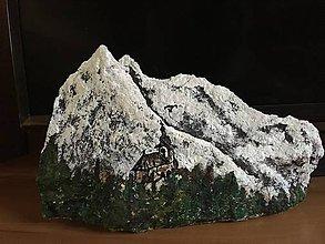 Dekorácie - Maľovaná skala - Kostolík pod Tatrami - 10394223_