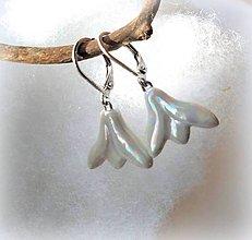 Náušnice - porcelánové náušnice Snežienky perleťové - 10396028_