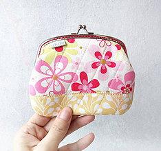 Peňaženky - Peňaženka XL Ružové a žlté kvety - 10393300_