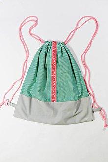 Batohy - Batoh zeleno ružové kvety - 10394840_