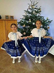 Detské súpravy - Dievčenský folklórny odev - modrá ruža - 10397753_