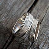 Prstene - Prachom zdobené  /svadobné obrúčky/ - 10399267_