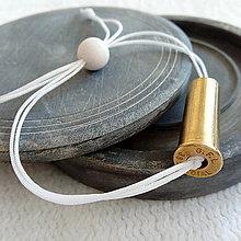 Náramky - Shamballa šnúra s nábojnicou biela - 10400862_