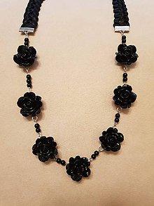 Náhrdelníky - Náhrdelník ružičky  (Čierna) - 10399322_