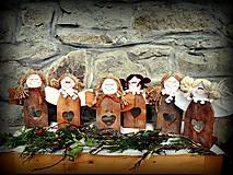 Dekorácie - drevený svietnik anjelik - 10398288_