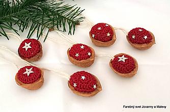 Dekorácie - vianočné hačkované Oriešky tmavobordové - 10399246_