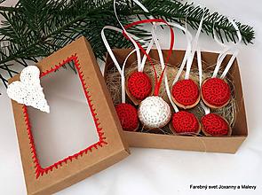 Dekorácie - vianočné háčkované Oriešky červené v krabičke - 10399613_