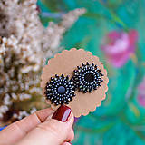 Gray black baldachins - vyšívané puzety