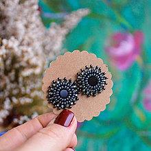 Náušnice - Gray black baldachins - vyšívané puzety - 10402632_