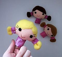 Hračky - Prstová maňuška dievčatko - na výber - 10404847_