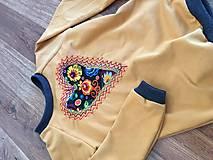 Detské oblečenie - Mikina srdiečko - 10402682_