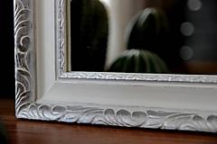 Zrkadlá - Zrkadlo v bielo-striebornom ráme - 10405867_
