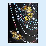 Obrazy - Motýli na korálkovém závěsu - olejomalba na plátně - 10402809_