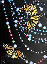 Obrazy - Motýli na korálkovém závěsu - olejomalba na plátně - 10402810_