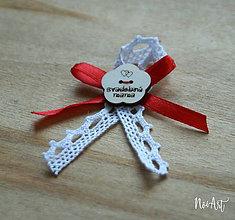 Pierka - Svadobné pierka pre rodičov a svedkov červené, kvetinka - 10408046_