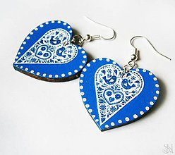 Náušnice - Modré folklórne srdcové náušnice s bodkami - 10408672_